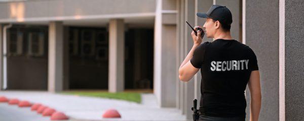 Sicherheitsdienst in einer Wohnanlage